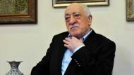 Er soll Erdogan zufolge hinter dem Putsch stecken: Fetullah Gülen auf seinem Anwesen in Pennsylvania am Sonntag.