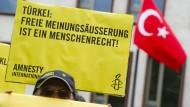 Untersuchungshaft für deutschen Menschenrechtler