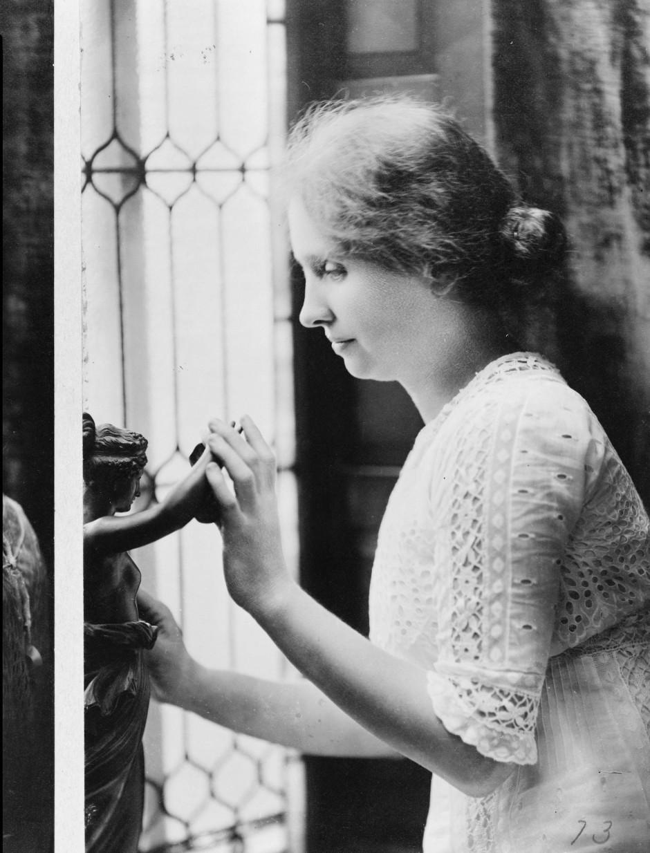 Der taubblinden Helen Keller wurde das Plagiat eines Textes vorgeworfen, obwohl sie beteuerte, sich an die Vorlage nicht zu erinnern.