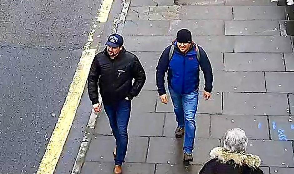 Ein von der britischen Polizei herausgegebenes Foto, das die beiden russischen Agenten zeigen soll, die Großbritannien für den Nervengiftanschlag auf Sergej Skripal verantwortlich macht