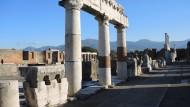 Überreste des früheren Forums im Archäologischen Park Pompeji.