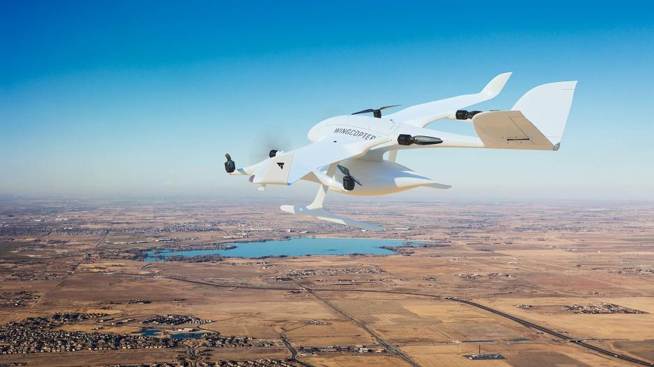Bald Wirklichkeit: Wingcopter-Frachtdrohne im Einsatz für Air Methods über dem Barr Lake im US-Bundesstaat Colorado (Fotomontage)