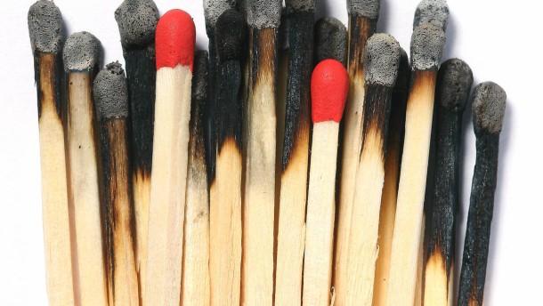 Streichhölzer - Fotoillustration zum Thema Burn Out Syndrom