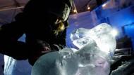 Künstler erschaffen eine Welt aus Eis