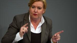 SPD verlangt von Seehofer Konzept zu Ankerzentren