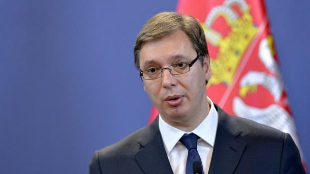 Serbischer Ministerpräsident nimmt an Gedenkveranstaltung teil