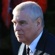 Eine damals minderjährige Amerikanerin wirft Prinz Andrew vor, von ihm in Maxwells Haus 2001 vergewaltigt worden zu sein. Der Herzog von York bestreitet das.
