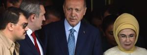 Präsident Erdogan nach seiner Stimmabgabe in Istanbul.