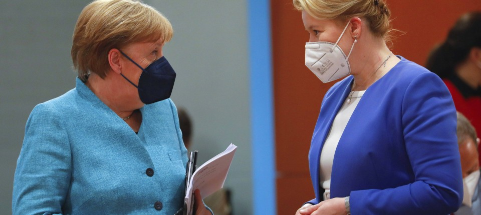 Bundeskanzlerin Angela Merkel (CDU) und Bundesfamilienministerin Franziska Giffey (SPD).