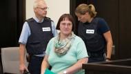 Die Angeklagte Angelika W. vor der Verlesung der Plädoyers der Anwälte