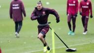 Schwer zu halten: Alexander Meier, der Kapitän der Eintracht, entwickelt auch im Training mächtig Zugkraft.