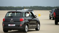 Papst-Fiat geht bei Auktion teuer weg