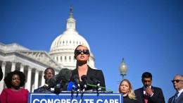 Paris Hilton fordert mehr Kinderrechte