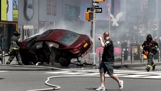 Ex-Soldat rast in New York in Menschenmenge