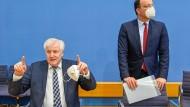 Spahn und Seehofer bei der Bundespressekonferenz am 01.07.2021