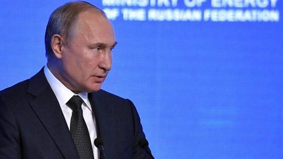 Putin gibt Trump Schützenhilfe