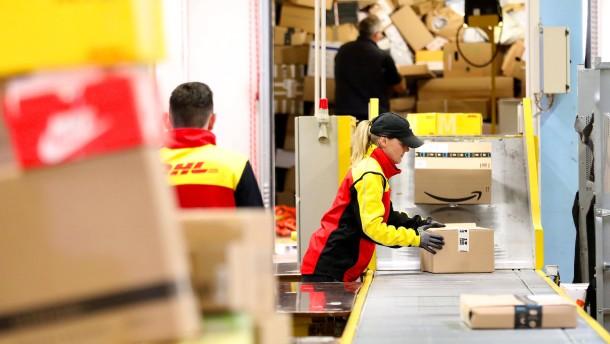 Post bietet Tausenden Mitarbeitern Corona-Tests an