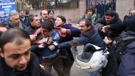 136 türkische Diplomaten suchen Asyl in Deutschland