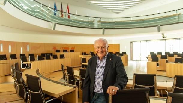 Geld vom Landtag, aber Arbeit für die Partei