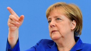 """Merkel sieht Deutschland """"im Krieg gegen den IS"""""""