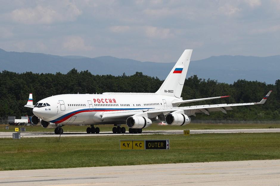 Gibt es gleich viermal: das Regierungsflugzeug von Wladimir Putin