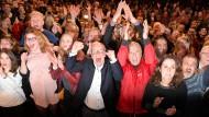 Eine Prognose, die gefällt: Jubel bei der SPD-Wahlparty in Hamburg