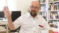 Mahner: Seit 40 Jahren warnt Harald Müller vor den Folgen nuklearen Wettrüstens. Er hat der Hessischen Stiftung Friedens- und Konfliktforschung parteiübergreifend Anerkennung verschafft und sie in die Leibniz-Gemeinschaft gesellschaftlich bedeutender Forschungsinstitute geführt.