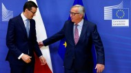 Kühle Atmosphäre: Mateusz Morawiecki und Jean-Claude Juncker am Dienstag in Brüssel.