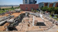 Unglücksort in Tel Aviv: Es wird befürchtet, dass der Bau weiter in sich zusammensackt.