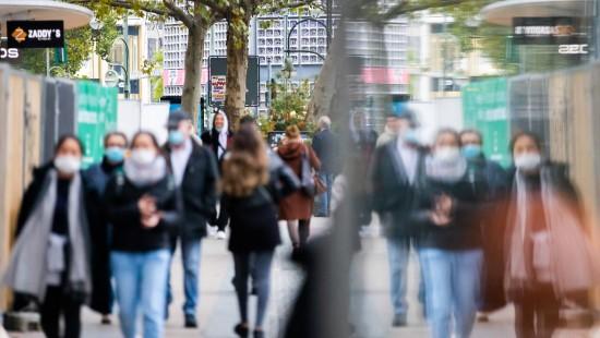 Mehr als 10.000 Corona-Neuinfektionen in Deutschland