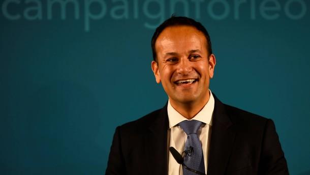 Irland bekommt ersten offen schwulen Premierminister