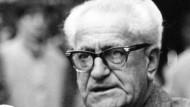 Gedenktafel an Wohnhaus erinnert an Fritz Bauer