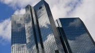Auch die Deutsche Bank hob die Zinsen auf Festgeld zuletzt leicht an.