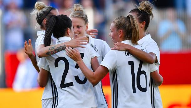 DFB-Frauen schlagen Brasilien mit 3:1