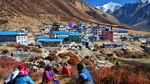 Die Stupa glänzt schon wieder