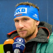 Der frühere Assistenz-Trainer der deutschen Biathlon-Nationalmannschaft Andreas Stitzl im Gespräch mit Journalisten (Archivbild)