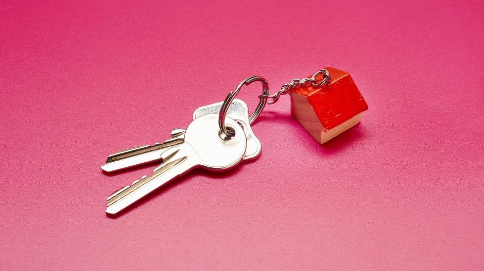 Wer den Schlüssel zu seinem Traumhaus bald in die eigene Hosentasche stecken will, sollte sich über eine clevere Finanzierung der Immobilie Gedanken machen.
