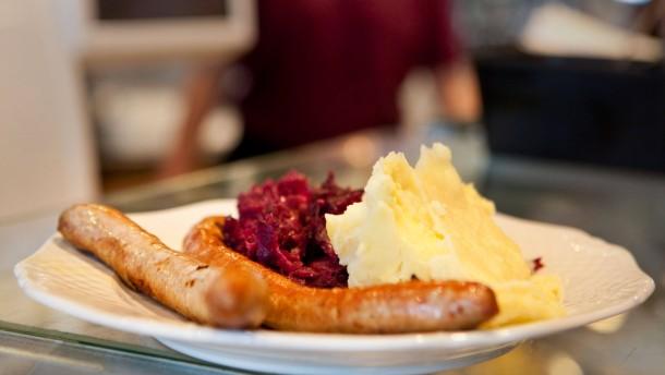 Wo gibt's den besten Fleischimbiss zur Mittagszeit? - Acht Frankfurter Metzgereien und ihr Mittagstisch werden getestet: Feinkodt Ebert, Worscht-Körsche und die Metzgereien Ullmann, Gref-Völsing, Stürmer, Heininger, Waibel und Illing.