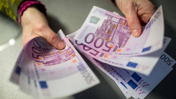 Wie sich der Einzug des 500-Euro-Scheins rechnet