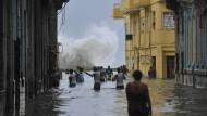 """""""Irma"""" setzt Havanna unter Wasser"""