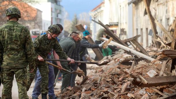 Erdbeben der Stärke 6,4 erschüttert Kroatien