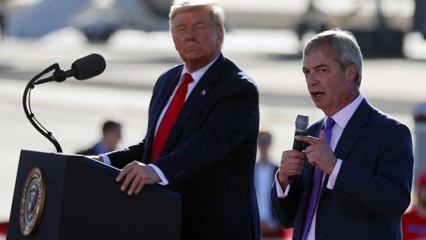 """Brexit-Hardliner Farage ist der """"König von Europa"""""""