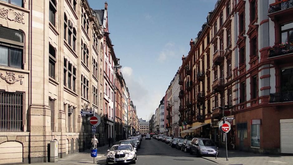 Frankfurter Innenstadt: die Elbestraße im Bahnhofsviertel