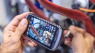 Bei Bosch arbeiten die Mitarbeiter mit Smartphones.
