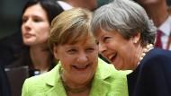"Merkel lobt Mays Vorschläge als ""guten Anfang"""