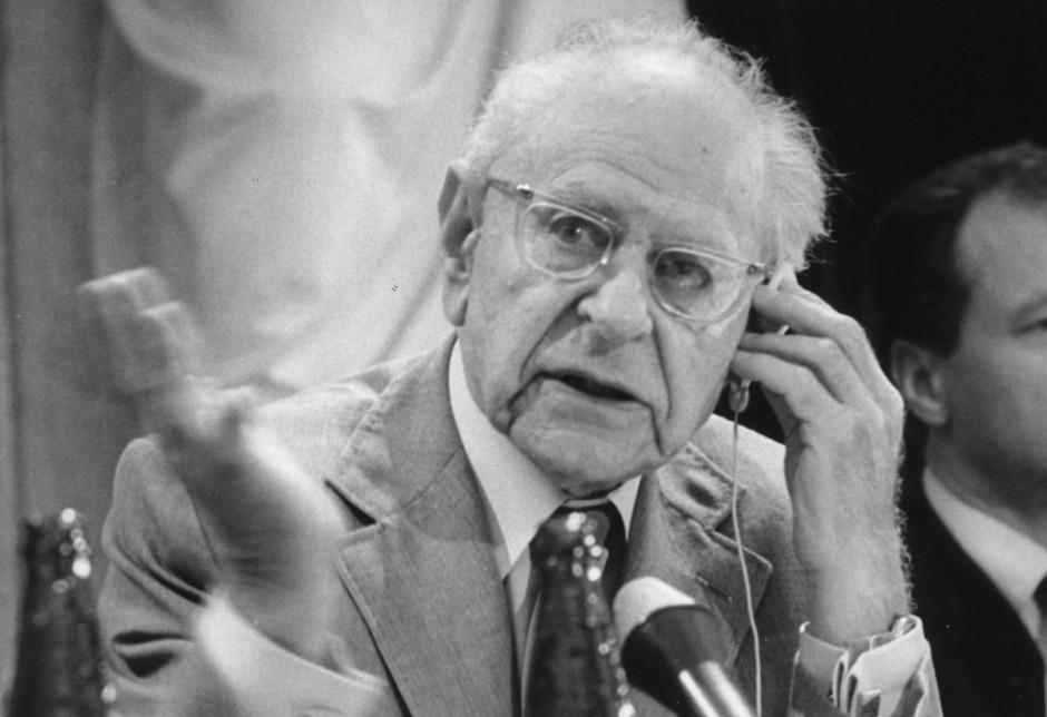Von Wissenschaftlern gerne zitiert - Sir Karl Popper 1983 bei einer Diskussion in Wien