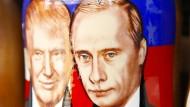 Wer hat von beiden mehr zu lachen? Trump oder Putin erfreuen die Souvenirindustrie in Russland.