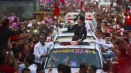 Burmas Freiheitsikone Suu Kyi greift nach der Macht