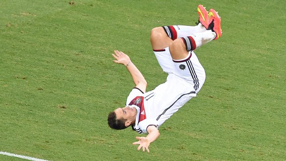 Der Salto als Markenzeichen: Nicht selten zelebrierte Miroslav Klose seine Tore mit einer artistischen Einlage.