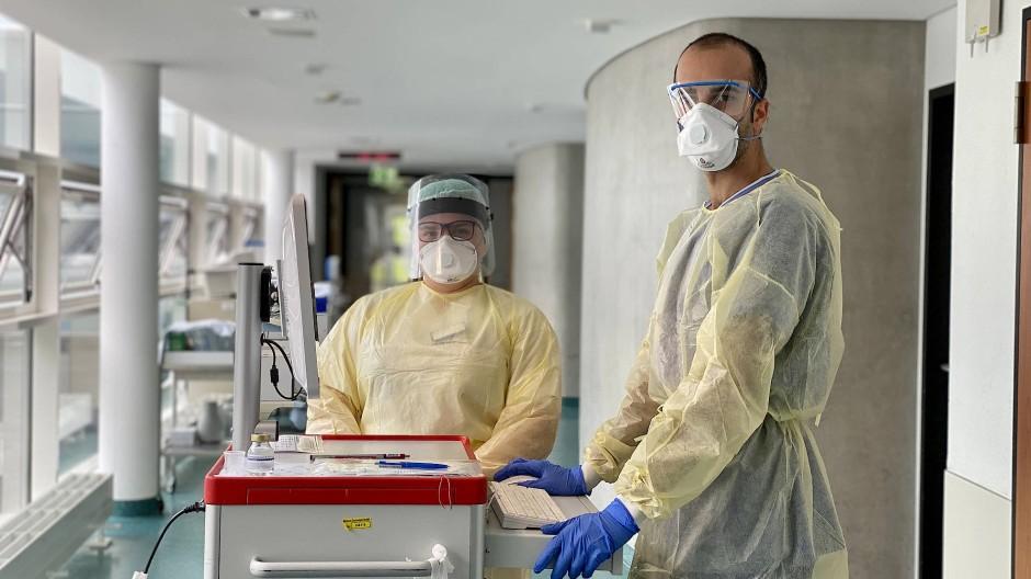 Gut geschützt: Cihan Çelik im Klinikum Darmstadt